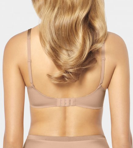 TRIUMPH BODY MAKE UP SOFT TOUCH 1 2 scaled