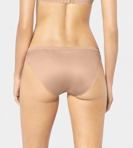 TRIUMPH BODY MAKE UP SOFT TOUCH 1 3 scaled