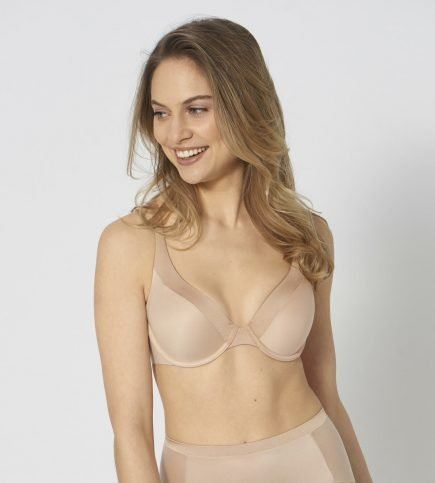 TRIUMPH BODY MAKE UP SOFT TOUCH 20
